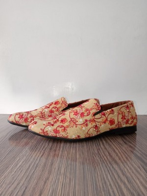 Wholesale Dealer of Embroidered Shoes
