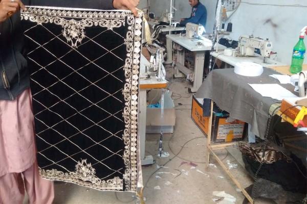 Wholesale dealer of velvet shawls