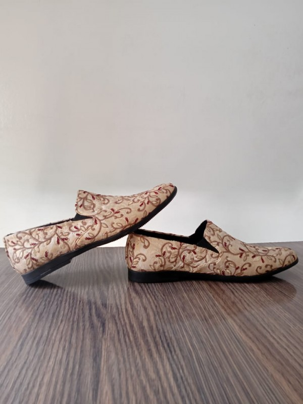 Embroidered Shoes in Pakistan