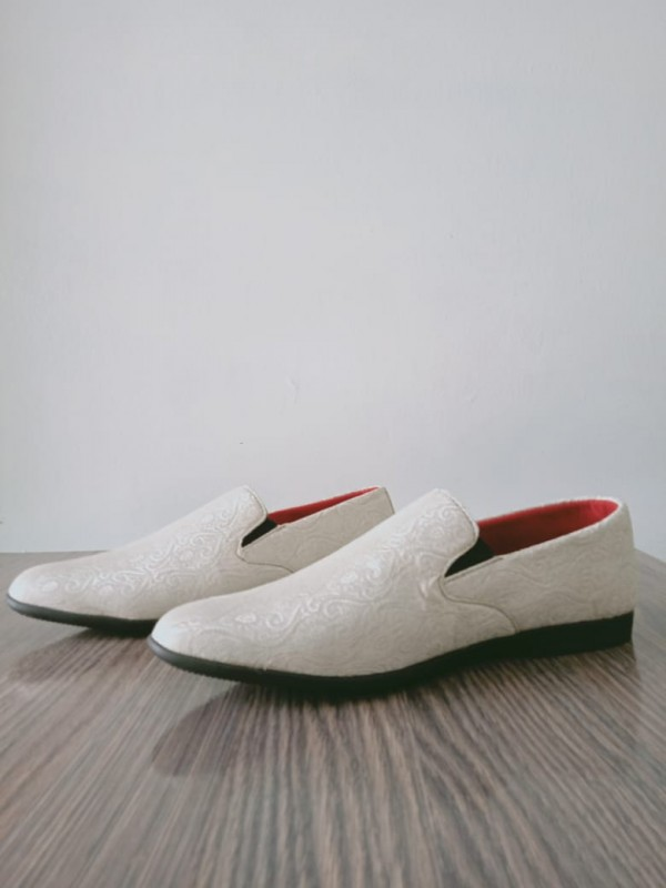 handmade shoes in offwhite