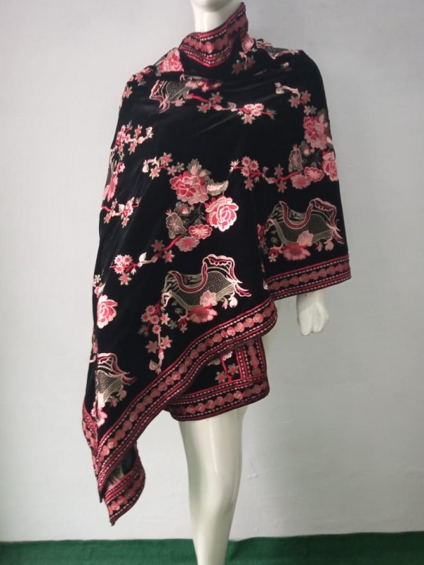 Breeze Embroidered Shawl in Black